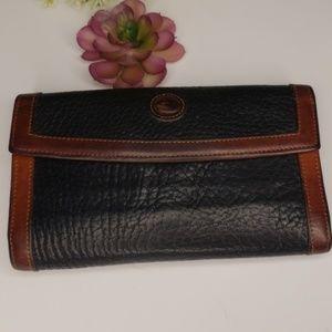 Dooney &bourke wallet